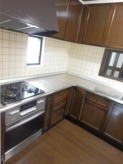 ヴェルドミール深沢E E1号室のキッチン