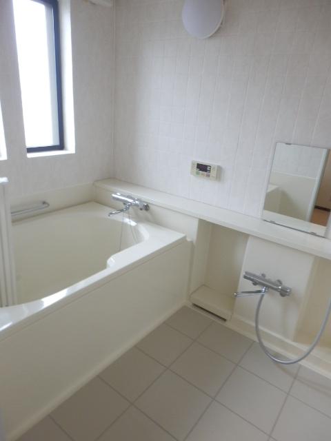 ヴェルドミール深沢E E1号室の風呂