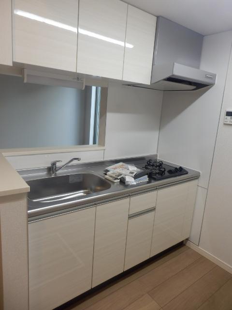 レフィナード尾山台 102号室のキッチン