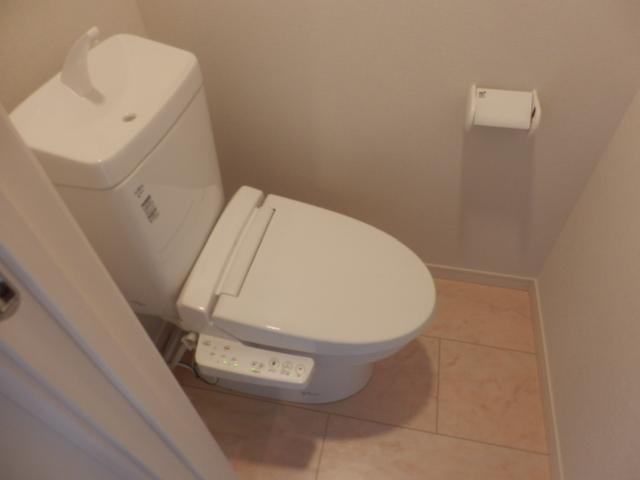 レフィナード尾山台 102号室のトイレ