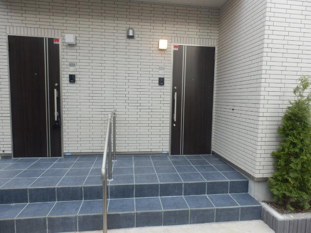 レフィナード尾山台 102号室のエントランス