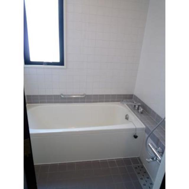 エステージ青葉台 202号室の風呂