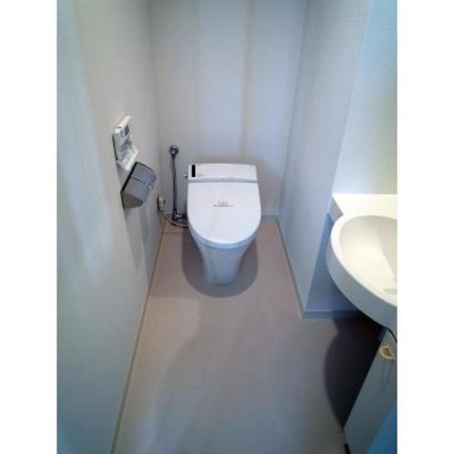 エステージ青葉台 202号室のトイレ