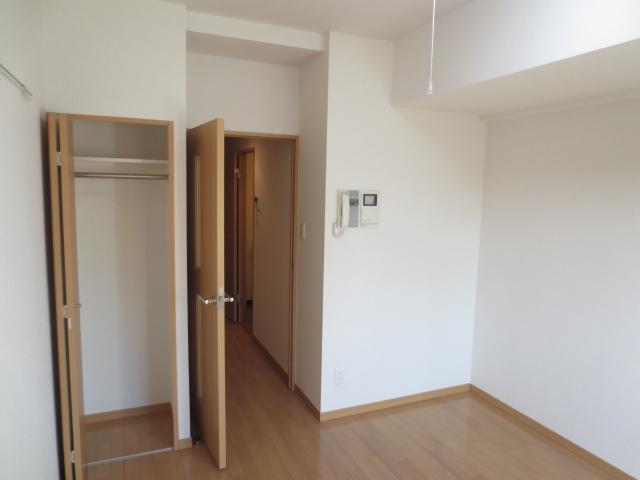 スカイコート都立大学第3 208号室の居室
