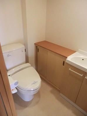 ベレール目黒 301号室のトイレ