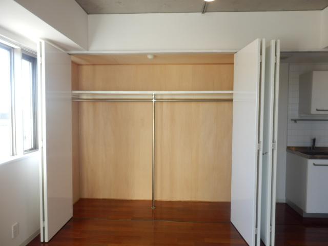 カーザ・エルミタッジオ 303号室の収納
