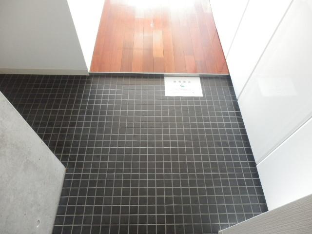 カーザ・エルミタッジオ 303号室の玄関