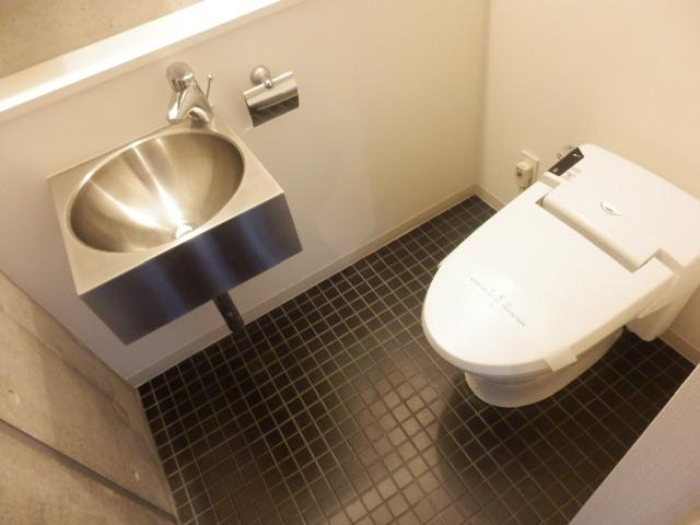 カーザ・エルミタッジオ 303号室のトイレ