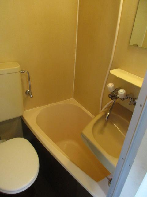 フラッツ上馬 202号室の風呂