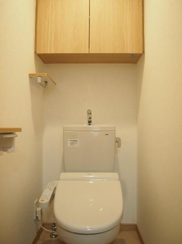 ルーブル目黒不動前 404号室のトイレ