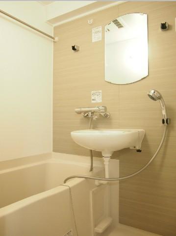 ルーブル目黒不動前 404号室の風呂