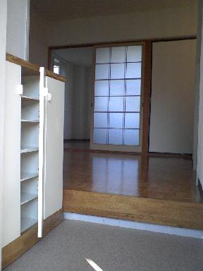 ピースファルハイツ 02040号室の玄関