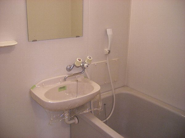 エルディムキムラⅡ 02030号室の風呂