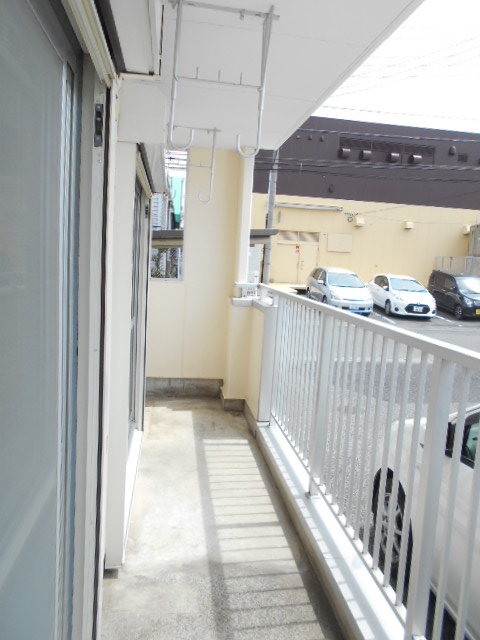 エレガンスパーク立沼橋 01010号室のバルコニー