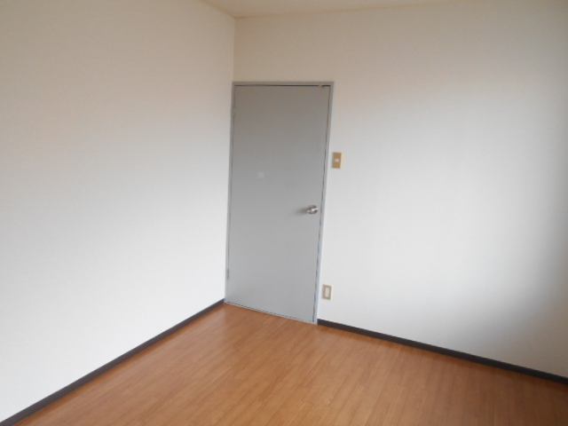 エレガンスパーク立沼橋 01010号室のリビング