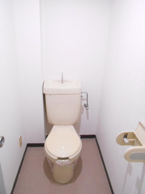 エレガンスパーク立沼橋 01010号室のトイレ