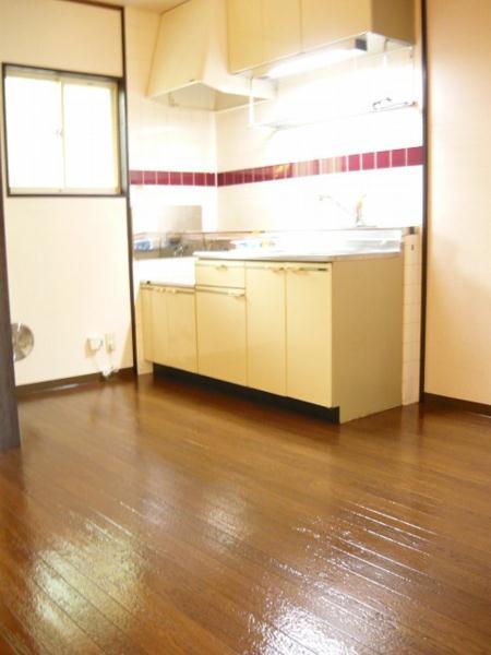 泉台ハイツ 02010号室のキッチン