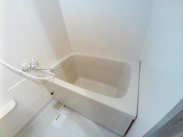 ニューエルディム伊藤A 03010号室の風呂