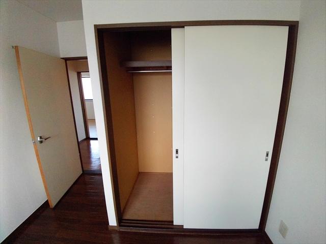 ニューエルディム伊藤A 03010号室の収納