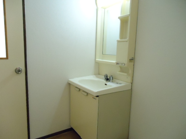 エルディム山田 02010号室の洗面所