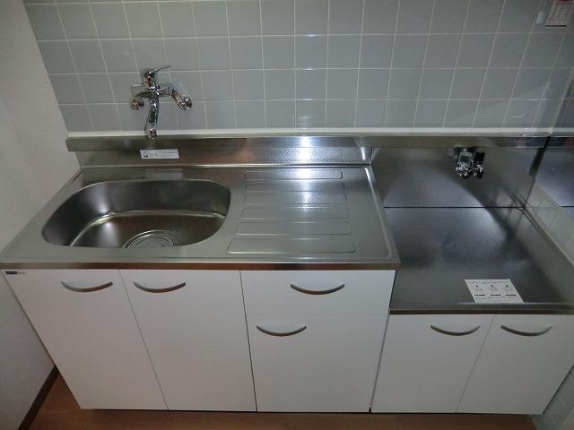 サカエハイツ 02050号室のキッチン