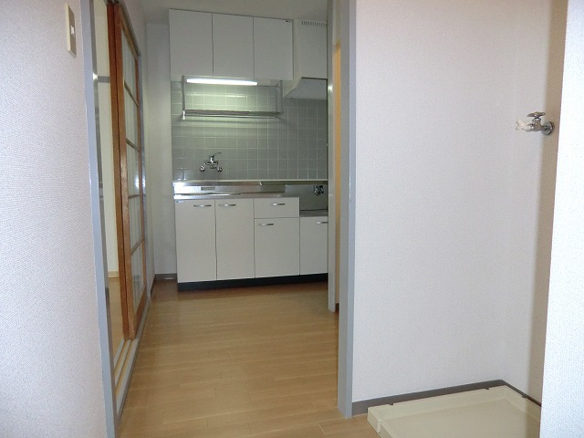 サカエハイツ 02050号室のリビング