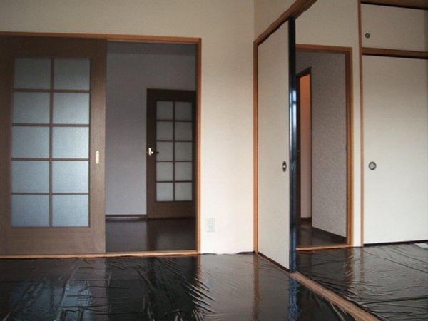 クレストヴィラヒヨシ 03020号室のリビング