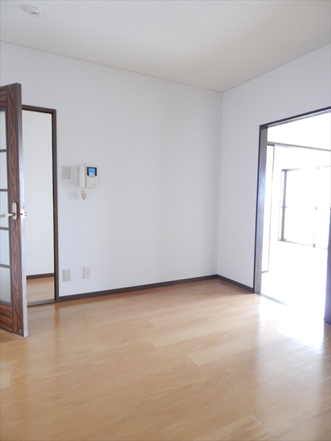 クレストヴィラヒヨシ 03030号室のリビング