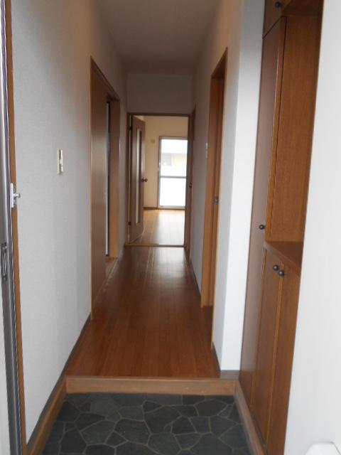 ローレルマンション 01020号室の玄関