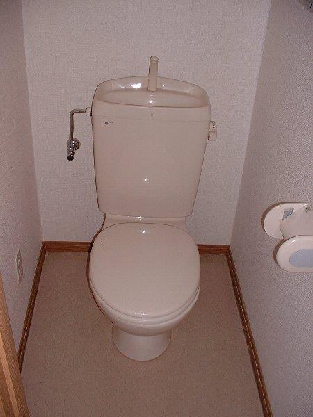 コーポラスⅥ. 02010号室のトイレ