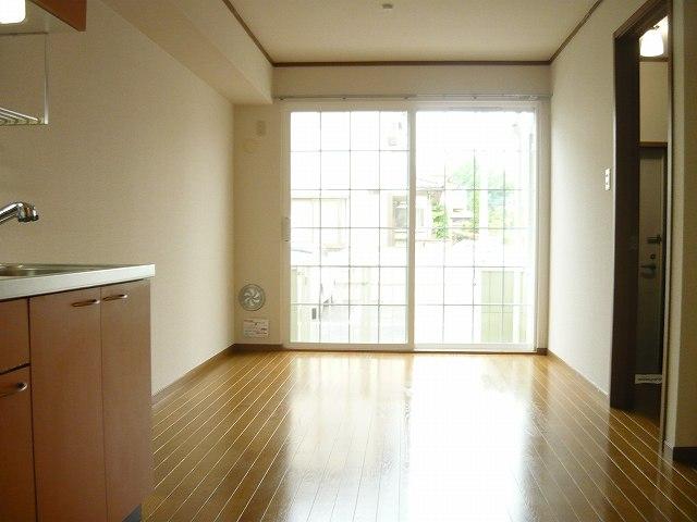 スリーゼ 01010号室のリビング