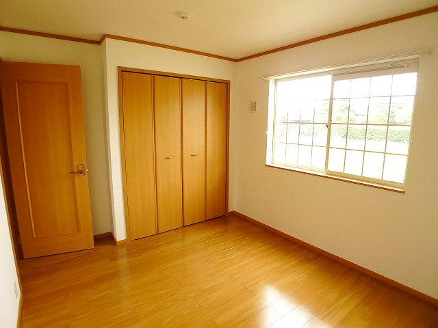クレストールY・M Ⅱ 01020号室の居室
