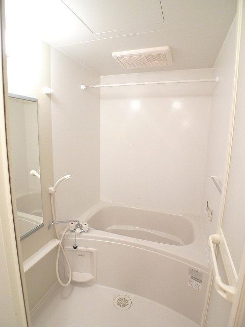 クレストールY・M Ⅱ 01020号室の風呂