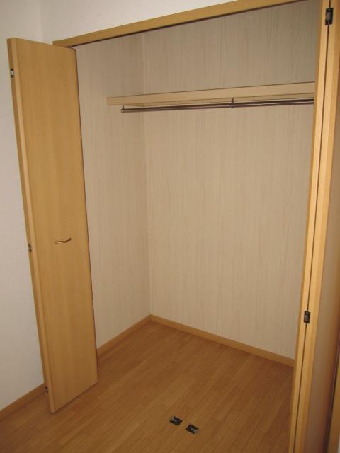 クロシェット・ボワ 03040号室の収納