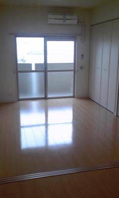 アベンシス・RC 04030号室のリビング
