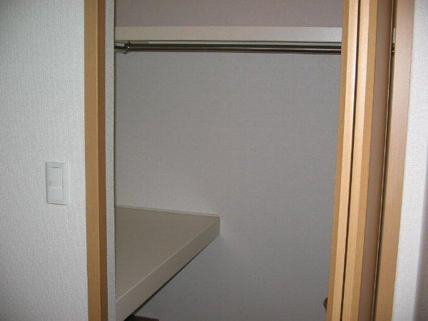 アルカンシエルA 01030号室の玄関