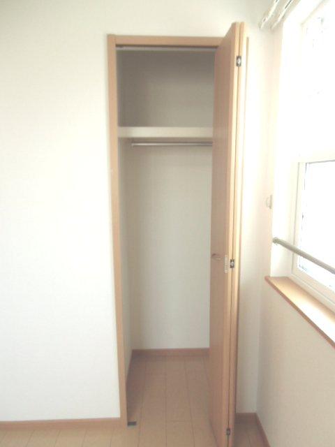 メープル 02010号室の収納