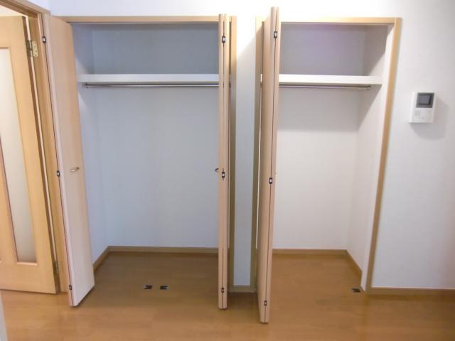 フローラーリアⅠ 01030号室の収納