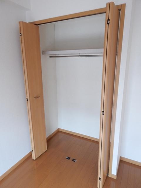 ゴールドレジデンスⅡ 04020号室の収納