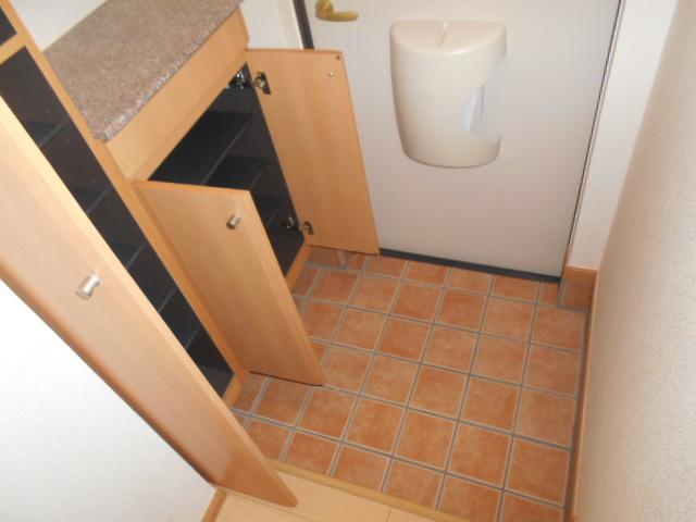 プリマヴェーラ 01010号室の玄関