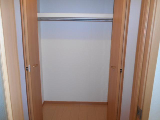 プリマヴェーラ 01010号室の収納