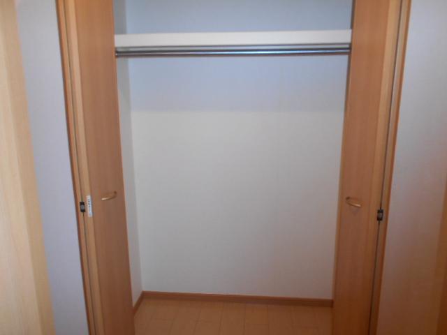 プリマヴェーラ 01030号室の収納