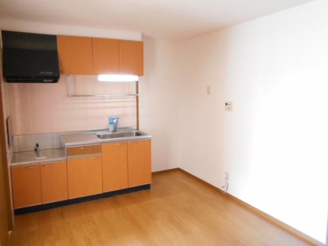 メゾン・エトワール1 02030号室のキッチン