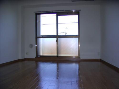 プレステージ 01020号室のリビング