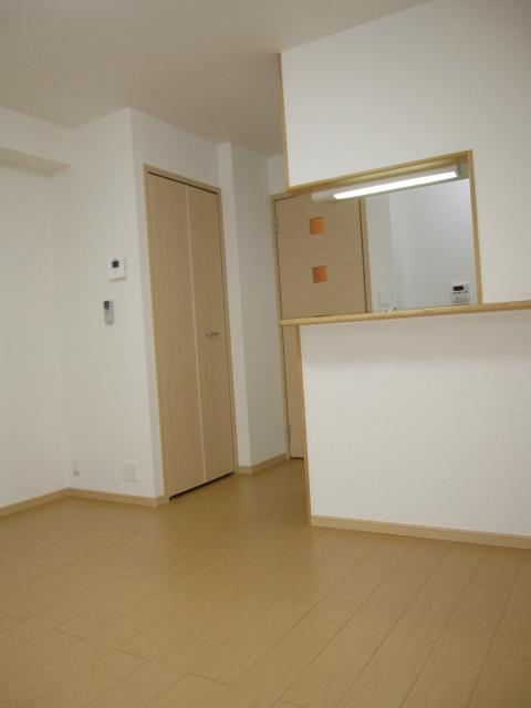 ル-ラルハ-モニ-TI B 01020号室のリビング
