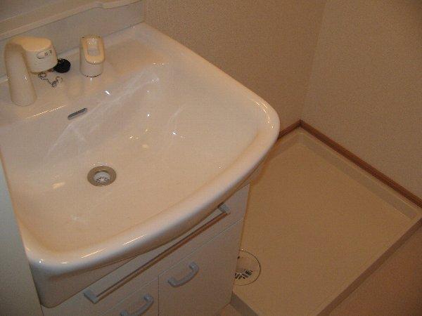 メゾン ソレイユ 01030号室の洗面所
