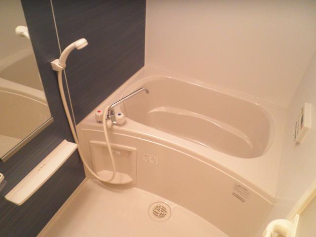 メゾン ソレイユ 03020号室の風呂