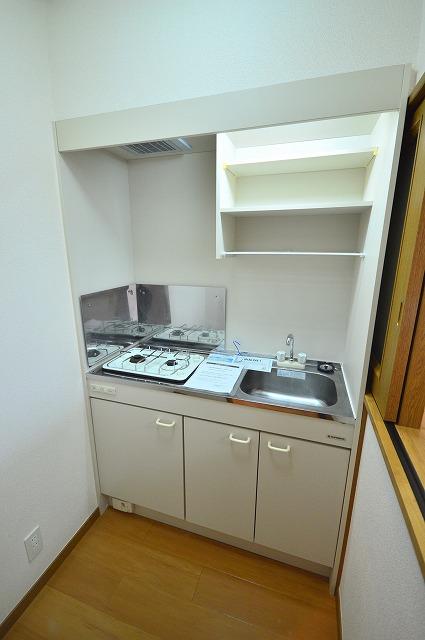 ジュネスハイム奥田A 01030号室のキッチン