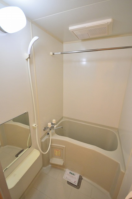 ジュネスハイム奥田A 01030号室の風呂