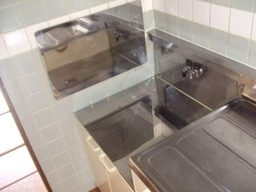 コ-ポユリ 01010号室のキッチン